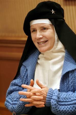 ... a ser priora de novicias en la abadia Regina Laudis, tras un largo camino de servicio a Dios