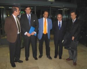 De izquierda a derecha, Jaime Urcelay, Alfredo Dagnino, Jesús Poveda, Benigno Blanco y Josep Miró, antes de comenzar el acto