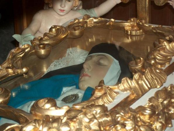 El cuerpo incorrupto de Sor María Jesús de Ágreda se conserva en la iglesia de las concepcionistas de la localidad soriana.