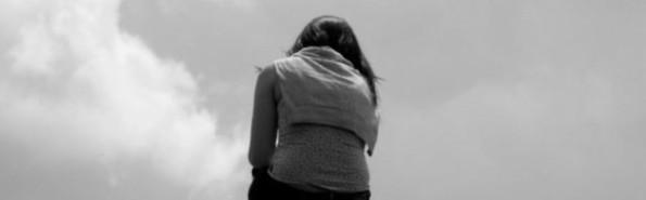 18851_mujer_triste_y_desesperada