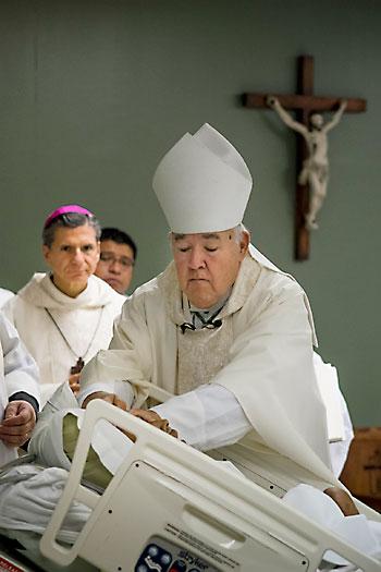 ordenacion_obispo_carmona