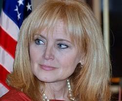 Katrina Lantos es mormona, madre de siete hijos y miembro del Partido Demócrata.