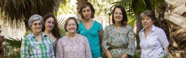 Este es el equipo de las adoratrices en Almería: algunas visitan los prostíbulos, otras acogen a las chicas que se refugian con ellas, a veces con sus bebés