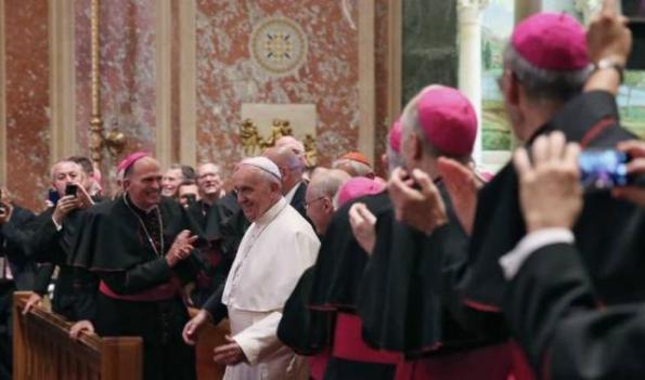 El Papa pide a los obispos estadounidenses que acaben con los abusos sexuales