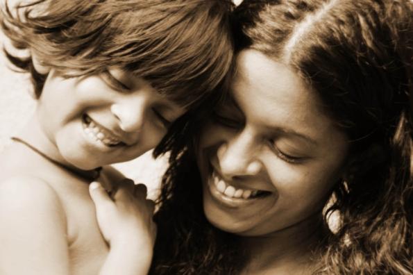 web-love-mother-daughter-smile-manu-praba-cc