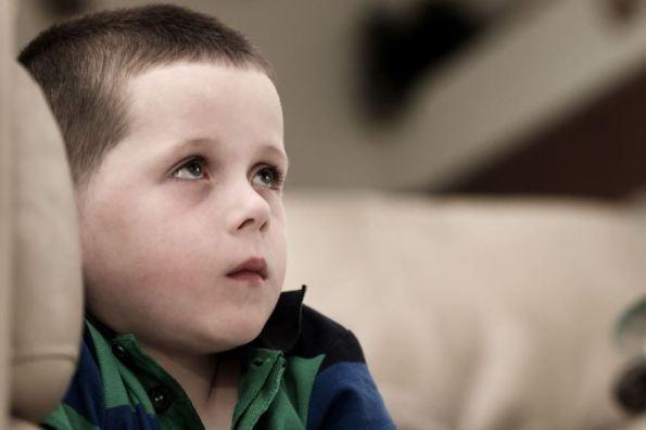 web-boy-sad-violence-child-shutterstock_177119249-smikeymikey1-ai