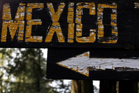 web-mexico-sign-wood-arrow-geraint-rowland-cc