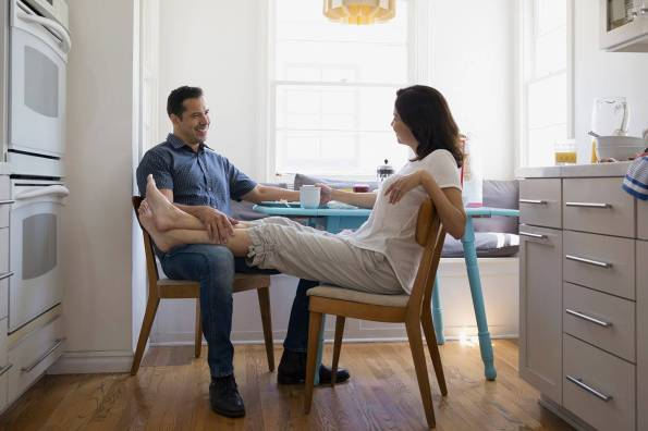web-couple-talk-kitchen-gettyimages-558272367-hero-images-ai
