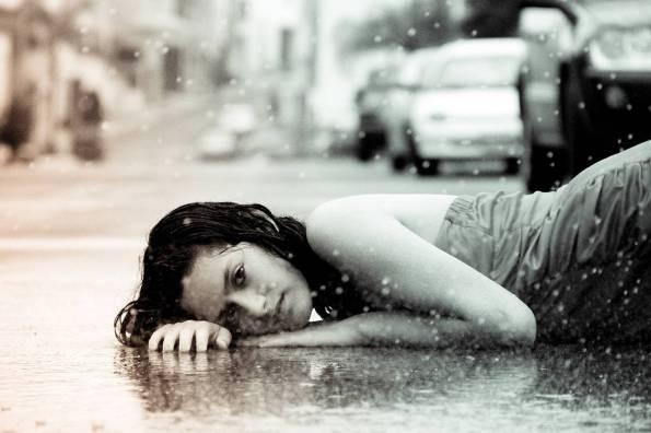 web-woman-girl-rain-mourn-sad-patricio-maldonado-cc