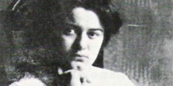 edith_stein-student_at_breslau_1913-1914_foto_r