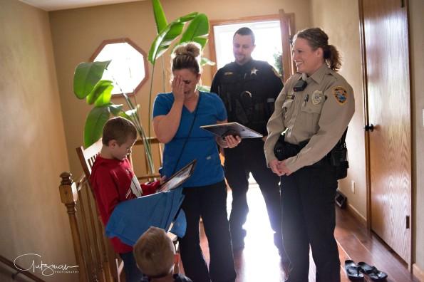 web-police-officer-lindsey-bittorf-kidney-donor-jackson-goll-gutzman-photography-facebook